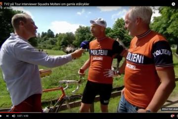 TV2 på Tour interviewer Niels Bjørnsteen og Peter Meinert fra Squadra Molteni