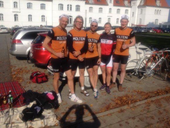 Rytterne fortograferet med vinderen Rikke Lønne efter Grand Fonfo Munkebjerg 2014