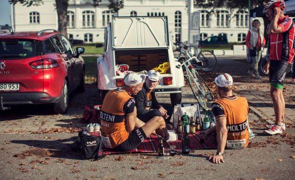 Grand Fondo Munkebjerg 2014 efter løbet ved team bilen