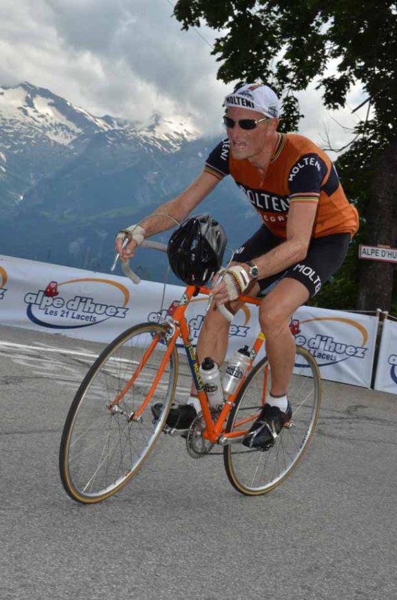 Niels på vej op ad Alpe d'Huez. det sidste bjerg i La Marmotte 2014