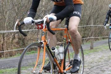 Niels kører genne Arenberg Skoven til Paris-Roubaix Challenge 2015