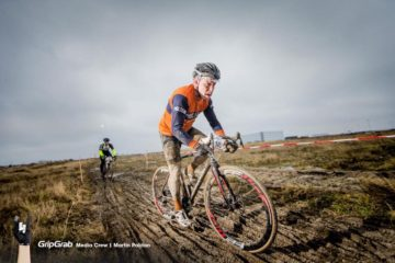 Jens Langergaard cykler i mudder til NordhavnsCross