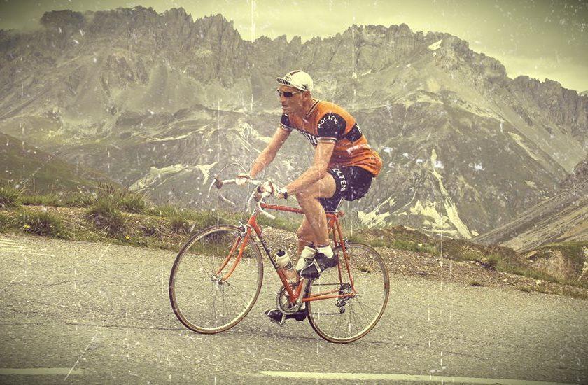 Niels fotiograferet på sin stålcykkel under La Marmotte 2014