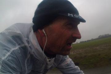 Niels træner i regn