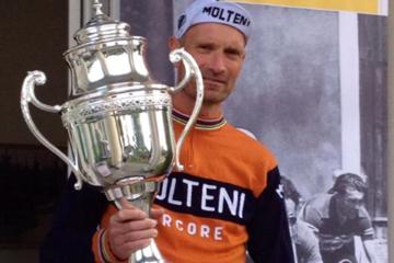Niels men pokalen fra Banani Klassiker Løbet 2014