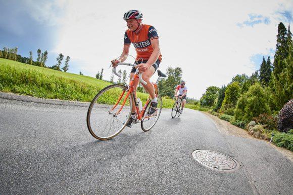 """Carsten Jacobsen nåede 9 omgange på den frygtede rundstrækning på 5 km ved Fåborg, der talte """"Golfbakken"""" (1250 m á 5,3 %)"""
